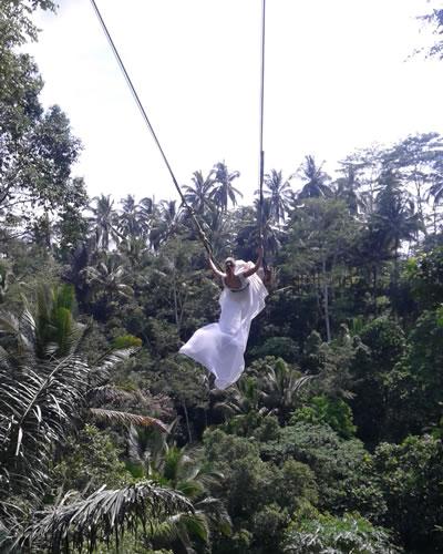 bali ubud swing
