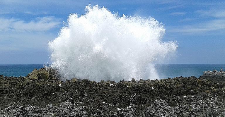 bali water blow