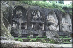 gunungkawi temple
