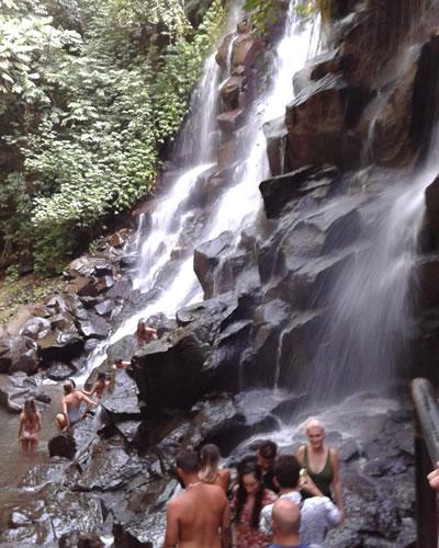 kanto lampo waterfall bali