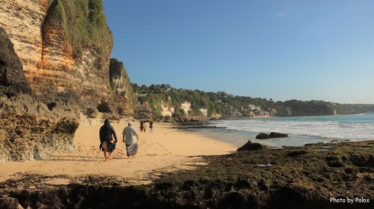Dreamland Beach Cliff